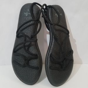 Sanuk black sandals